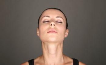 упражнений для подтяжки овала лица