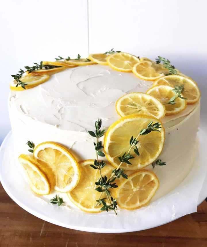 Новогодний торт с лимоном и шампанским