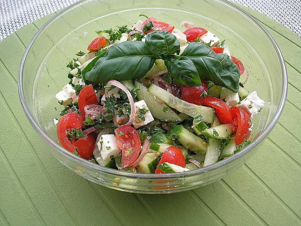 Салат из помидоров «Корсиканский»