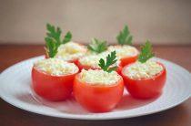 Как быстро приготовить вкусные фаршированные помидоры