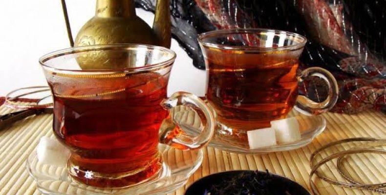 Чай понижает или повышает давление?